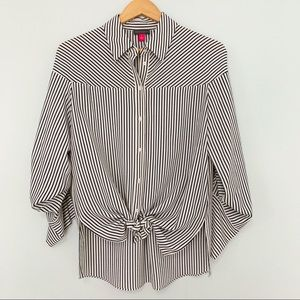 EUC Vince Camuto Button up Striped Shirt Sz Small